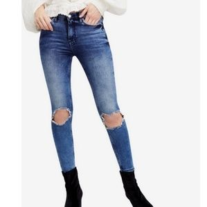 Free people distressed skinny jeans sz32
